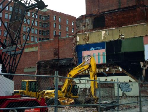 2009-0406_demolition002