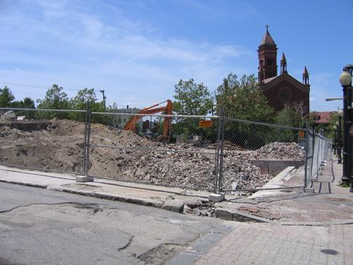 2009-0406_demolition004