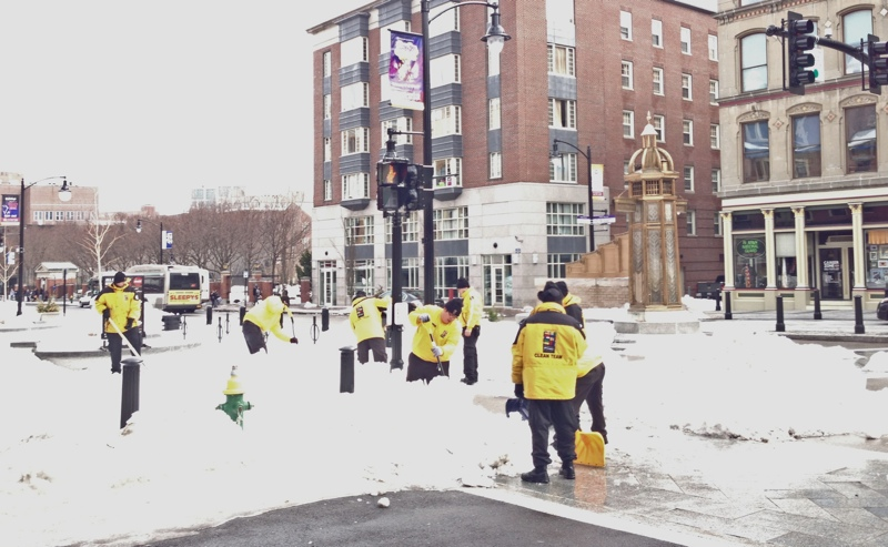 2013-0212-yellow-jackets