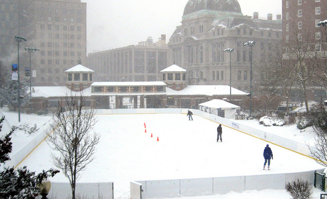 snow-skating-center-city-hall