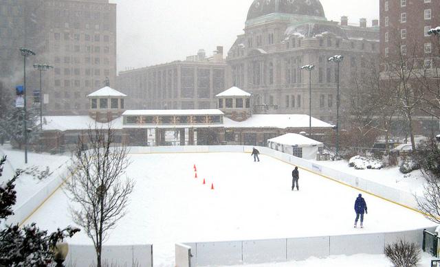 snow-skating-center-city-hall